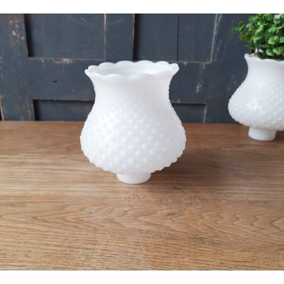 Globe vintage perlé Milk Glass