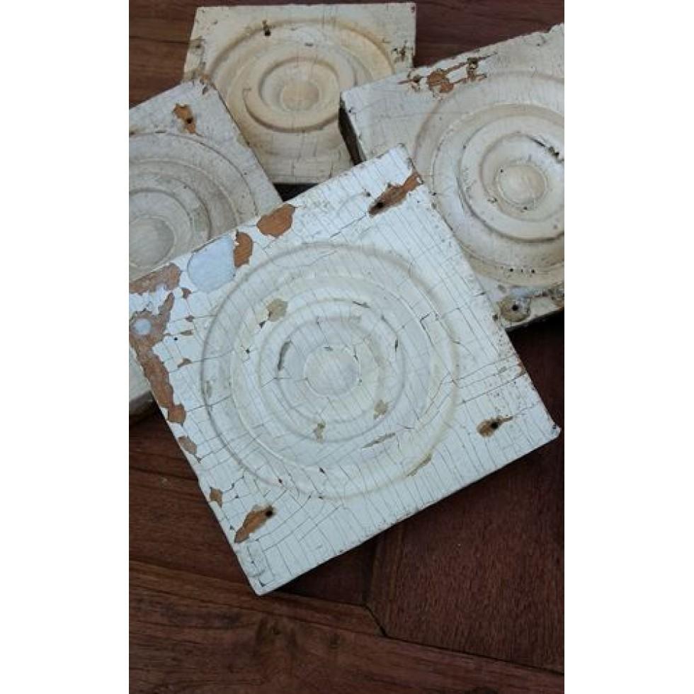 rosette antique en bois peinture craquel e naturelle. Black Bedroom Furniture Sets. Home Design Ideas