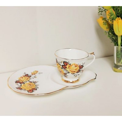 Ensemble à goûter- Rose Jaune Royal Castle porcelaine England